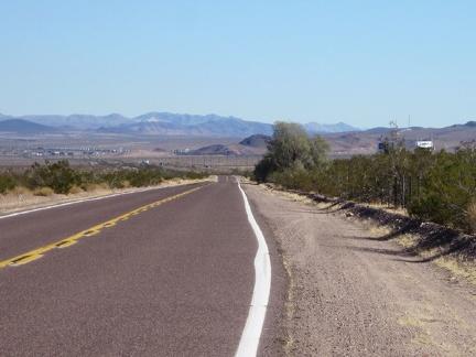 After 2 miles of dirt road from Sleeping Beauty, I ride 8 miles, mostly a bit downhill, to Ludlow, for lunch on old Route 66