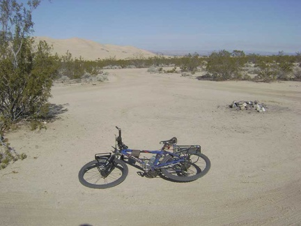 Near the Kelso Dunes trailhead, I pass an unoccupied roadside campsite