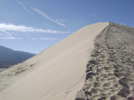 Kelso Dunes feels very sculptural as one approaches the summit