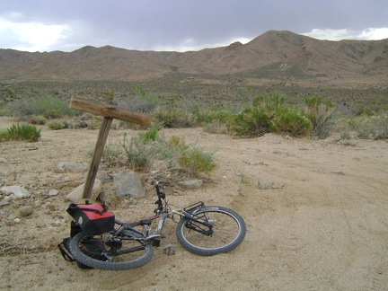 Down at about 4125 feet, I turn up an old road that leads into the Macedonia Canyon valley