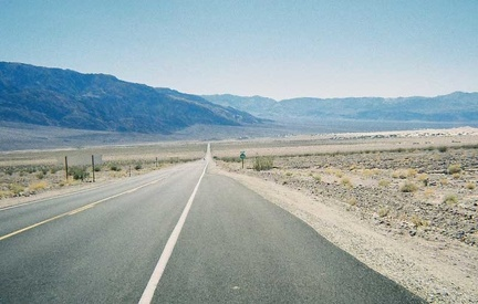 After the descent down Daylight Pass Road, I cross Death Valley on Highway 190