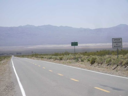 The views back down to Nipton and across Ivanpah Valley from the Nevada State line are superb